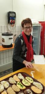 GR Sabine Büchsenmeister bei der Vorbereitung