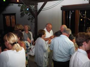 Gäste in der Sektbar