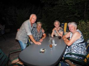 Obfrau des Pensionistenverbandes Trade Hoffer mit Gästen