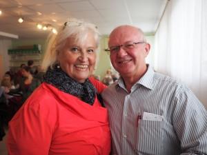 Leiterin der Englischkurse Barbara Holy und GGR Gerhard Stoiber