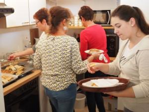 In der Küche wird eifrig gearbeitet